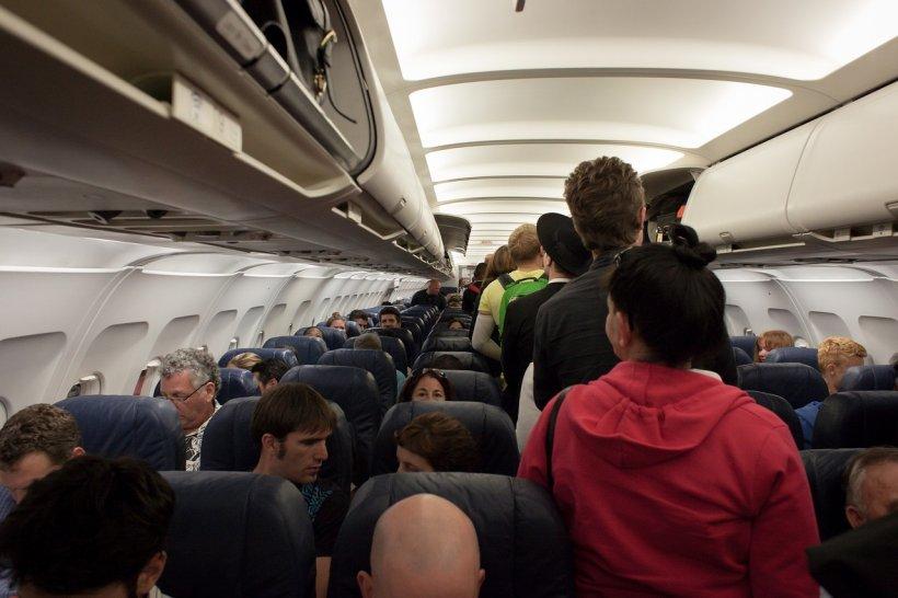 Fără laptopuri la bordul tuturor avioanelor cu destinația SUA