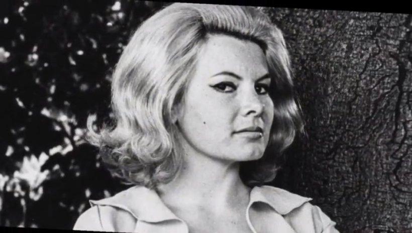 """Actriţa Molly Peters, una dintre """"fetele Bond"""", a murit la vârsta de 75 de ani"""
