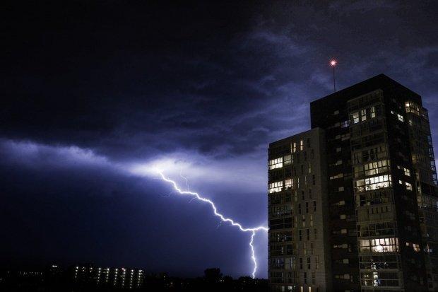 Fenomene meteo EXTREME ACUM. Ce se întâmplă în România