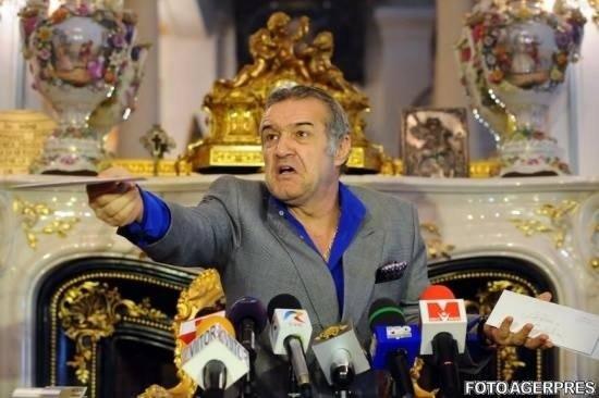 """Gigi Becali a izbucnit în direct la TV: """"Niște proști, înapoiați, dobitoci și sclavi"""""""