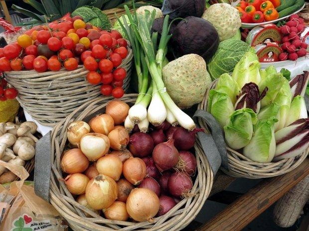 Minciuna legumelor româneşti! Ce cumpărăm de fapt din piață