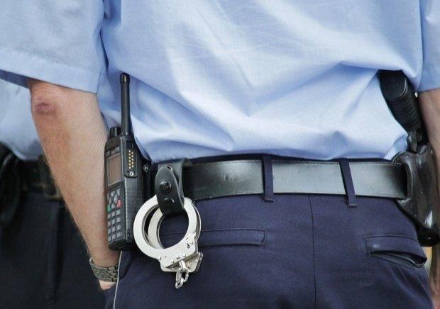 O moldoveancă a mușcat un polițist. Cum s-a întâmplat totul