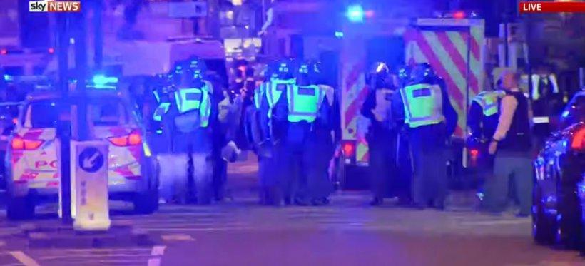 Atacuri la Londra. Cel puţin şase morţi şi peste 30 de răniţi. Poliţia a doborât trei terorişti LIVE VIDEO 96