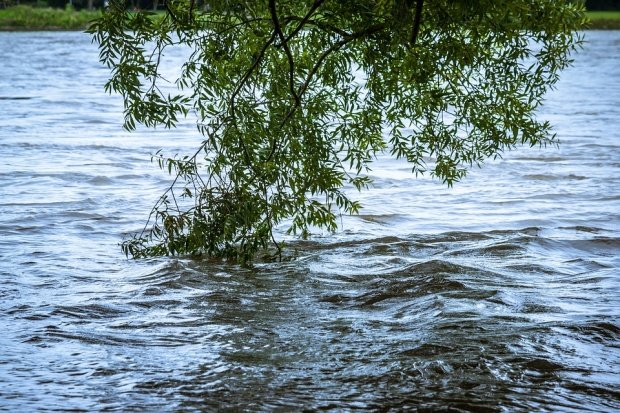 Pericol de inundaţii! Hidrologii au emis o alertă pentru zonele de deal şi munte