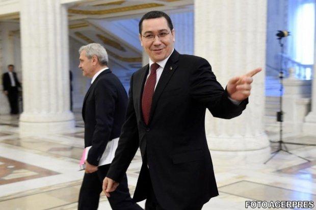 Ironii în sala de plen. Fenechiu: Ponta copiază temele unora, iar Dragnea fură sandvişul colegilor