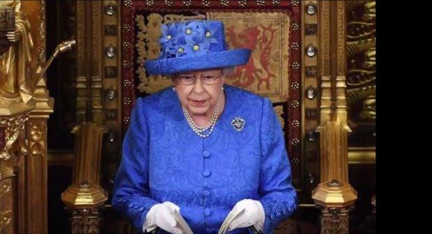 Regina Marii Britanii a fost reclamată la poliție. Care a fost motivul