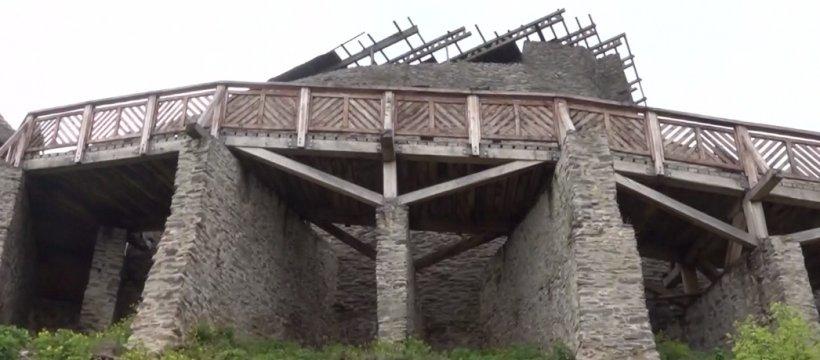 Bărbat în comă, după ce a căzut de la o înălţime de 3 metri, la Cetatea Feldioara