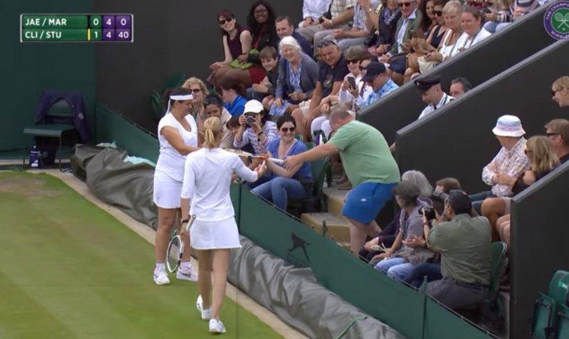 Nu s-a mai văzut așa ceva la Wimbledon! Reacția fabuloasă a unei jucătoarela strigătele din tribună ale unui spectator