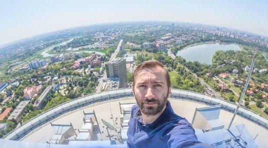 Eroul zilei: Cristian Vasile, fotograful care aduce optimismul