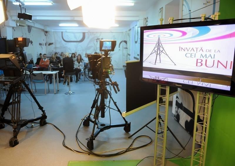 Intact Media Academy, locul în care visurile devin realitate. Poveștile oamenilor de televiziune formați în academia de vedete