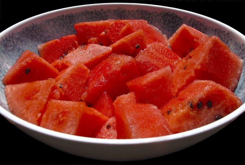 Nu ţi-ar plăcea să mănânci pepene de Crăciun? Metoda genială prin care poți să-l păstrezi până la iarnă