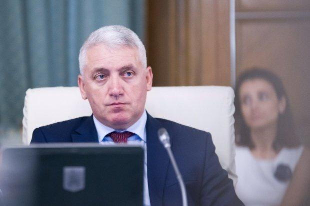 Ministrul Adrian Țuțuianu a decis să demisioneze din funcția de secretar al Senatului