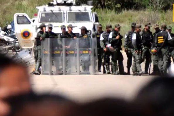Revoltă într-o închisoare din Venezuela. Cel puţin 37 de persoane au fost ucise - VIDEO