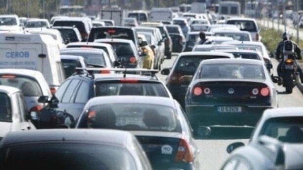 Trafic blocat pe Autostrada Soarelui pe sensul către Capitală după ce patru autoturisme s-au ciocnit