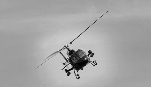 Elicopter prăbușit pe munte. Pilotul a murit pe loc