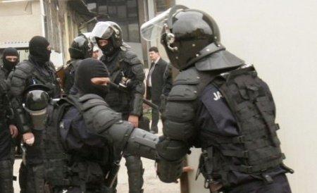 Procurorii anticorupţie de la Chişinău au reţinut patru persoane în urma percheziţiilor de la Guvern