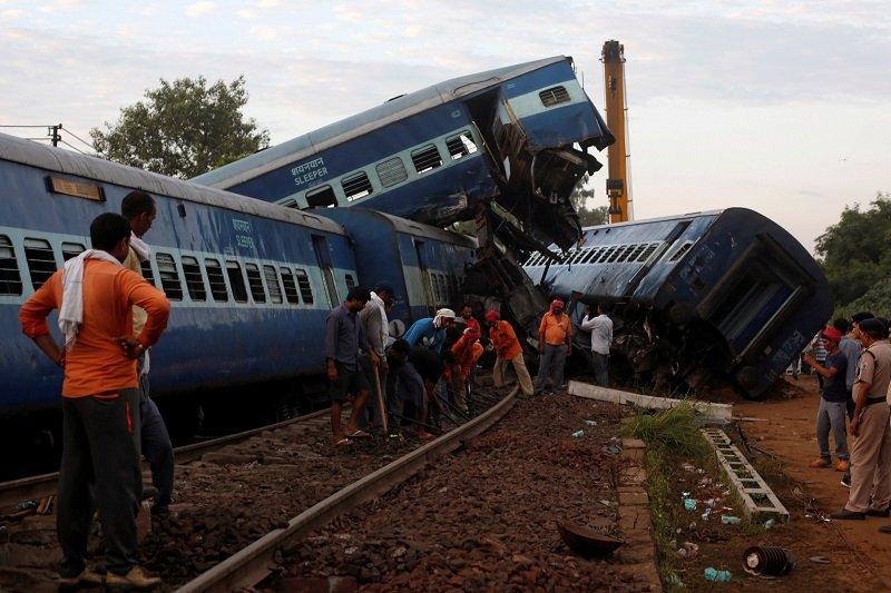 Cel puţin 81 de răniţi într-un nou accident feroviar