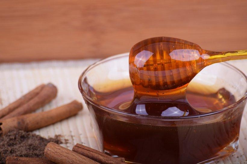 Efectele surprinzătoare ale combinației dintre miere și scorţişoară