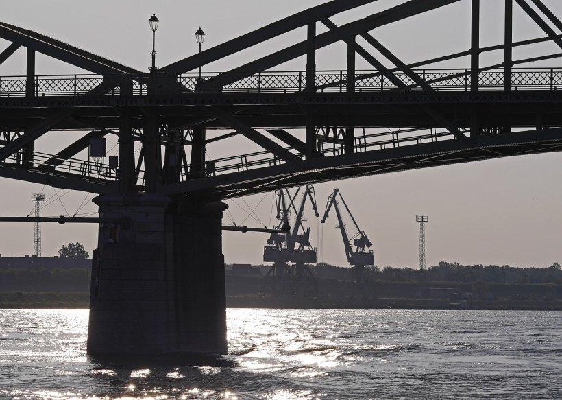 Încă un pod peste Dunăre. Giurgiu-Ruse nu mai face față traficului intens