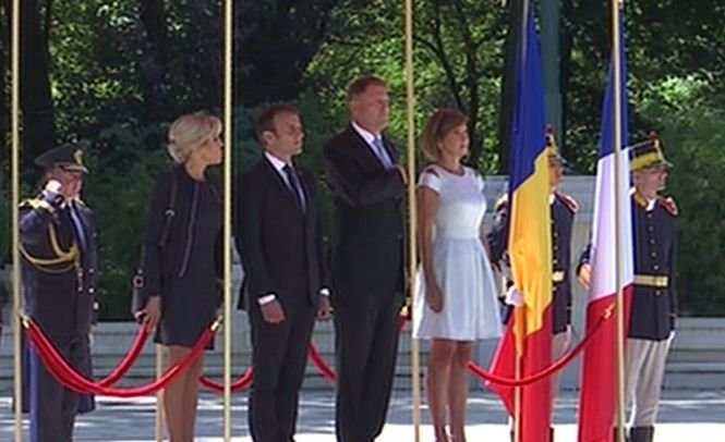 Emmanuel Macron, primit la Cotroceni de Klaus Iohannis. Ce mesaj a postat preşedintele francez pe Twitter