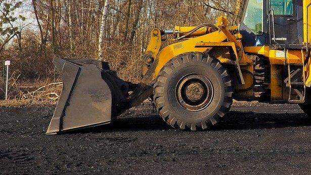 Tragedie în Vâlcea. Doi muncitori, surprinși de un mal de pământ. Unul dintre ei a murit, iar celălalt este rănit