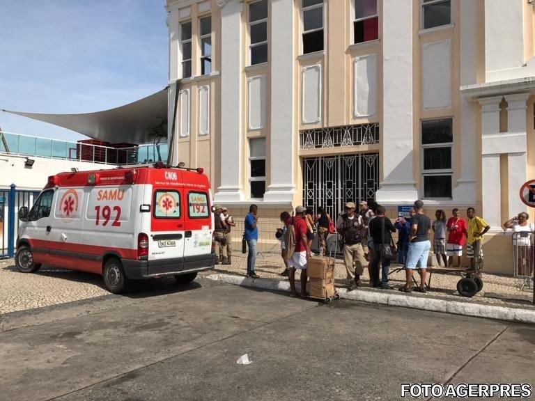 Zeci de morți, după scufundarea unui feribot care transporta 129 de pasageri. Tragedia a avut loc în Brazilia