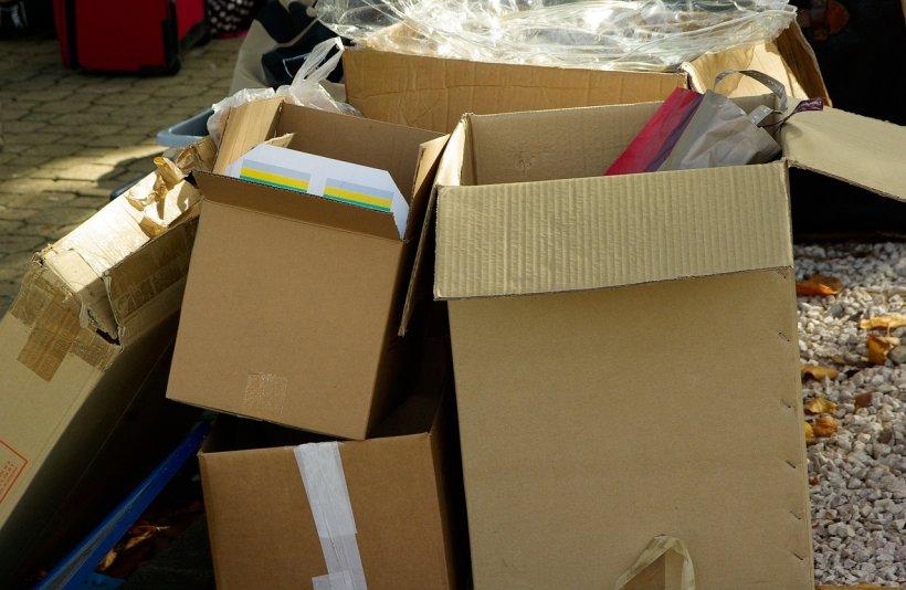 Descoperire șocantă în mai multe colete poștale