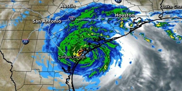 Stare de catastrofă, decretată în SUA. Uraganul Harvey lovește cu o forță uriașă