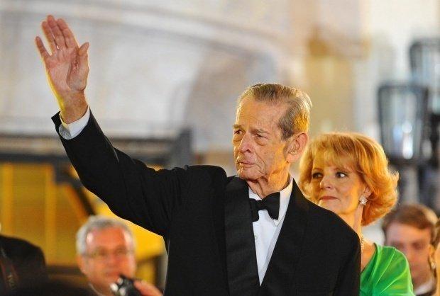 Două măicuțe românce îl îngrijesc pe Regele Mihai la locuința sa din Elveția