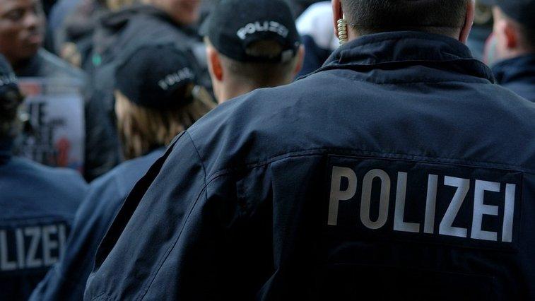 Alertă cu bombă în Germania! Autorităţile au evacuat zeci de mii de oameni