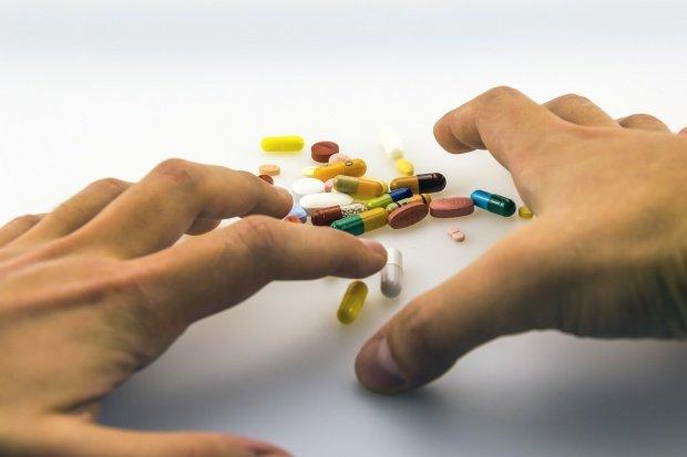 Ce se întâmplă dacă iei medicamentele cu suc în loc de apă