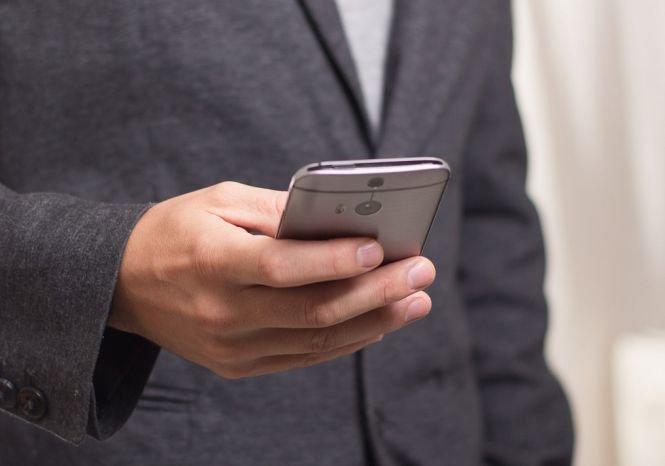 Autoritățile avertizează: Cât riscaţi să plătiţi dacă sunaţi la numere care încep cu 09