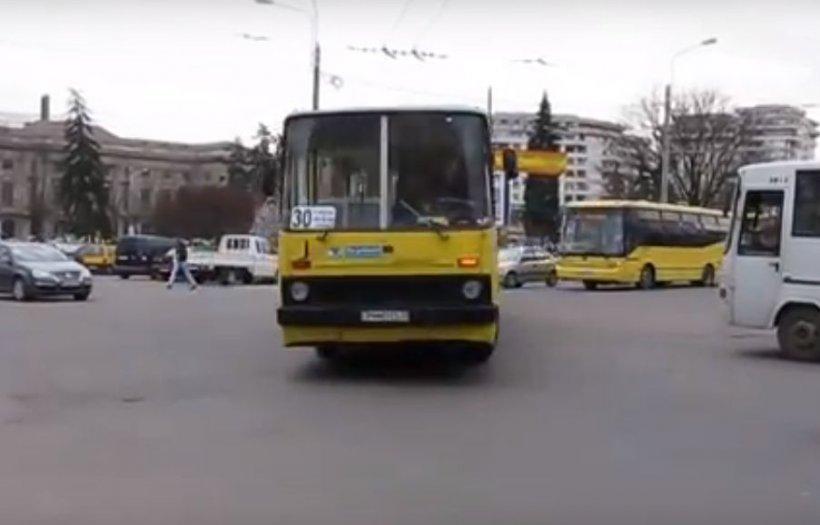 Grevă spontană în Ploiești. Angajații au retras mijloacele de transport din oraș