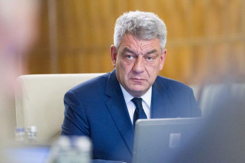 Sfat pentru premierul Tudose, care ia 15.000 de lei pe lună, în plic: cinci bănci din România nu iau comision dacă îşi ia salariul pe card