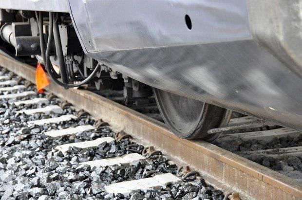 Sfârșit tragic pentru un bărbat din Bistrița-Năsăud. A fost călcat de tren în timp ce mergea pe calea ferată