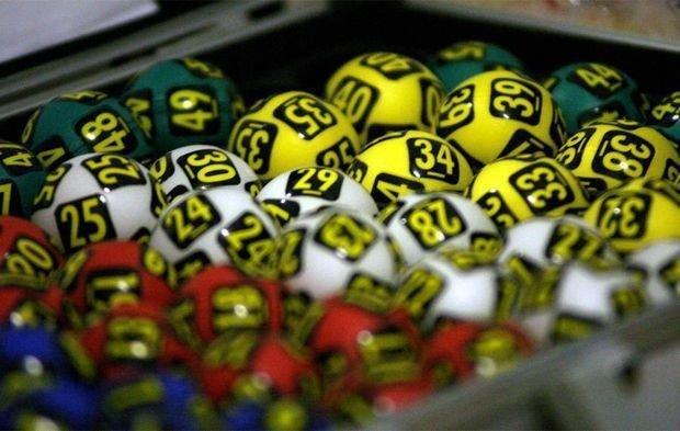 Un cuplu din Canada a pus un bilet nesperat la loterie. Suma fabuloasă pe care au câștigat-o cei doi
