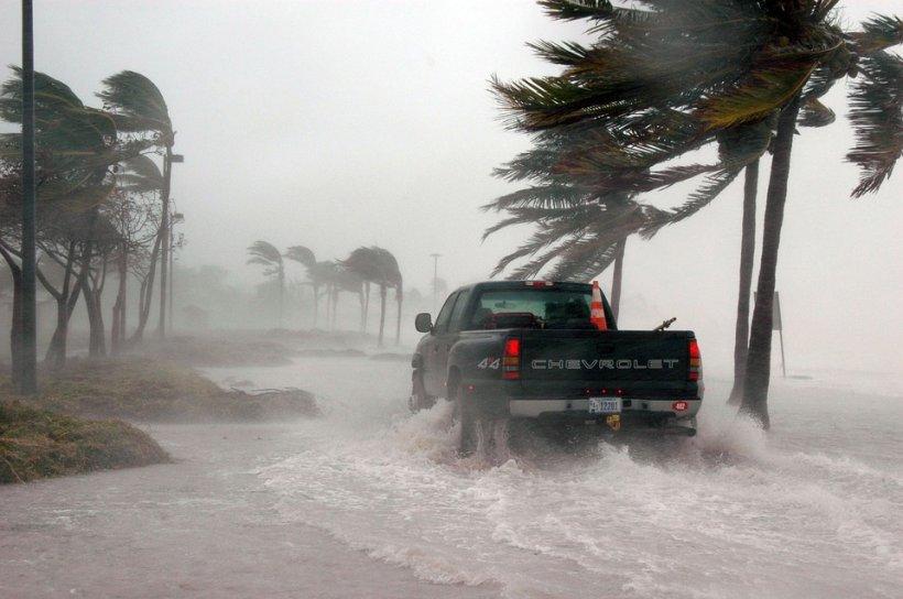 Statele Unite sunt amenințate de un nou uragan devastator. Va fi cea mai puternică furtună din Atlantic a ultimului deceniu