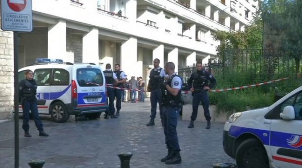 """""""Fabrică"""" de materiale pentru atentate, descoperită în sudul Parisului"""
