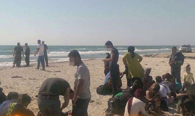Scene parca ireale de dimineata pe litoral! Ambarcațiuni pline cu imigranți au invadat plajele din România