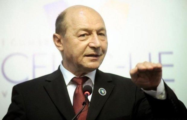 Traian Băsescu, prins încălcând legea. Ce facea fostul președinte la Neptun!