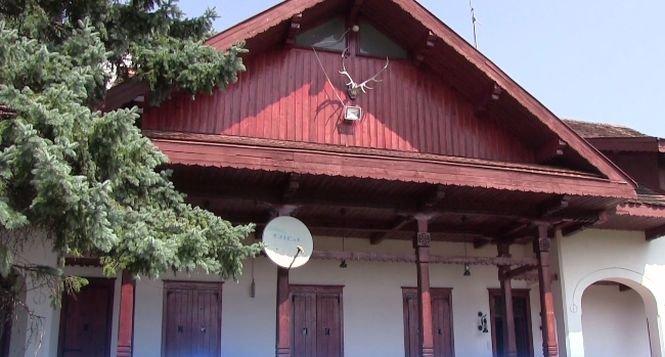 Cât costă o noapte în cabana lui Ceauşescu din judeţul Olt. E un preț modic
