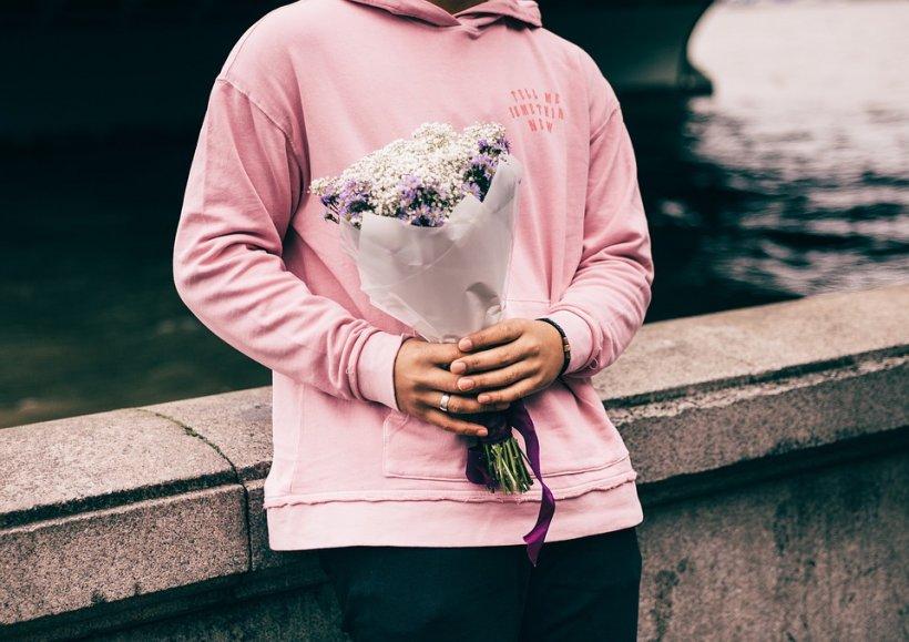 Ce spune culoarea hainelor despre tine. Atenție la violet!