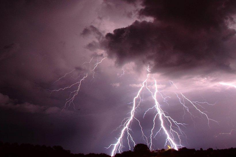 VIDEO. Cum se vede din satelit ciclonul care lovește România