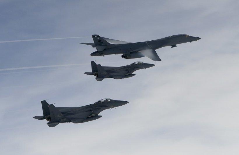 Bombardiere americane au zburat în apropierea costelor nord-coreene