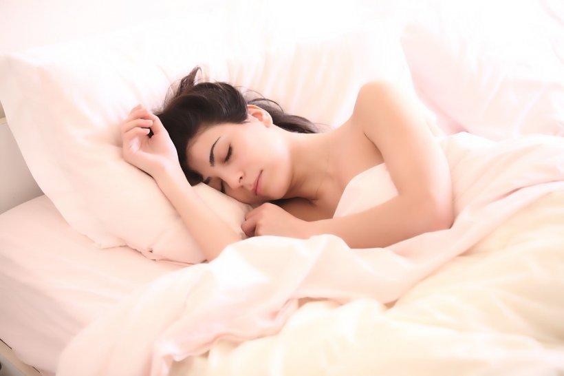 Motivul pentru care ar trebui să te ridici din pat mereu doar pe partea stângă. Niciodată să nu dormi cu capul spre...