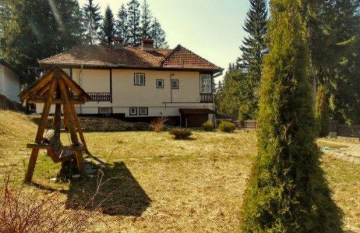 Vila lui Ceaușescu de la Predeal, pusă la vânzare pentru un preț derizoriu. Cu se sumă o poți avea