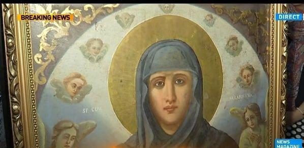 Pare bizar, dar de ce merg credincioșii cu vată în mână la racla Sf. Cuvioase Parascheva