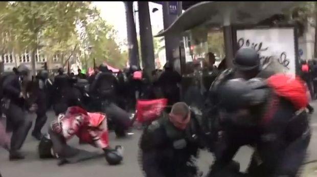 Extremismul ia amploare. Zece tineri francezi au fost arestați pentru că plănuiau atacuri împotriva unor politicieni
