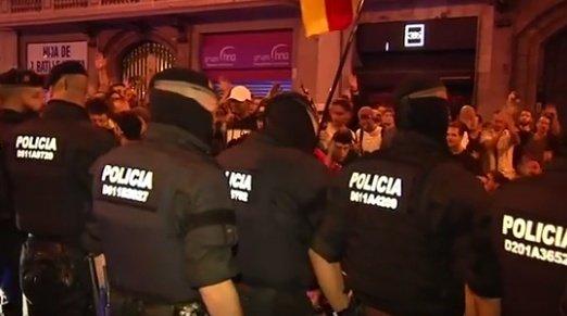 Noi tensiuni în Spania. Doi lideri separatiști catalani au fost arestați