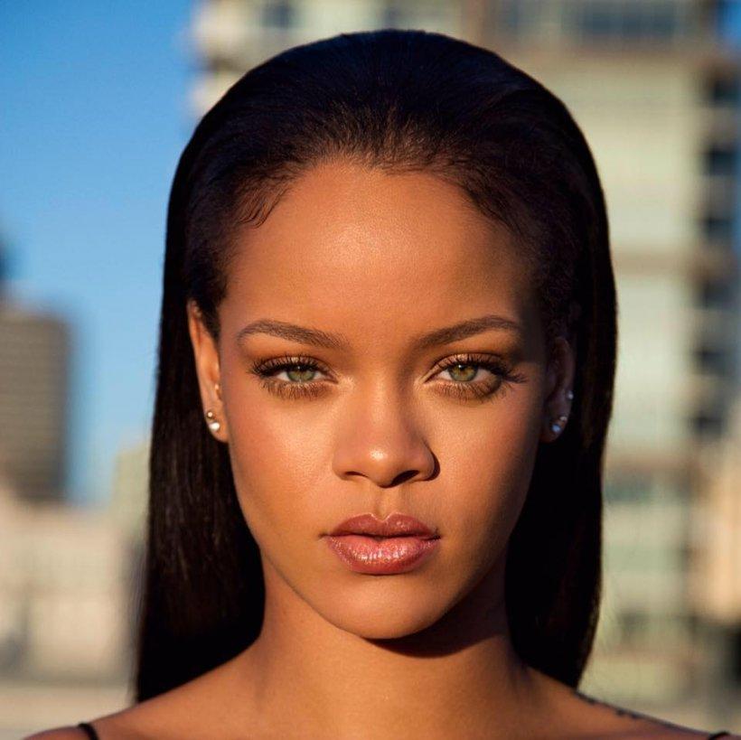 Rihanna şi-a cumpărat o casă de 22 de milioane dolari. Cum arată noua achiziție a artistei